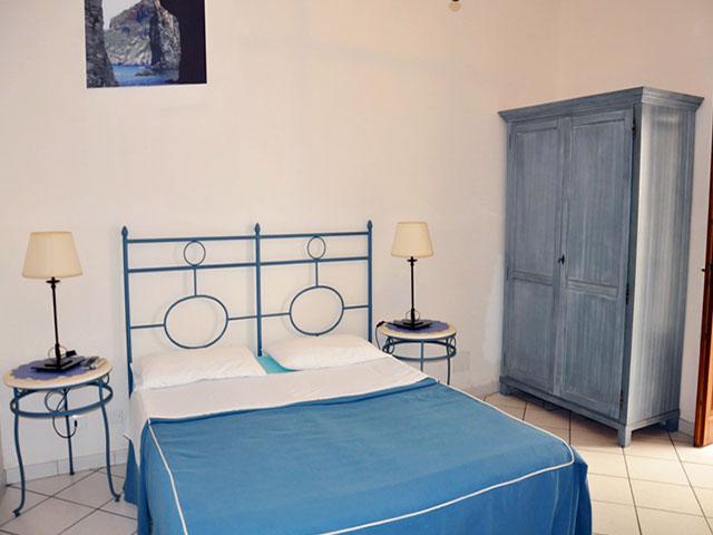 Casa vacanze eolo lipari isole eolie case vacanze isola for Case ben arredate
