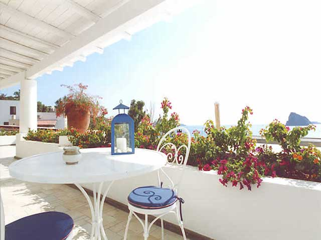 Hotel La Terrazza, Panarea, Isole Eolie. Hotel, alberghi, bed and ...