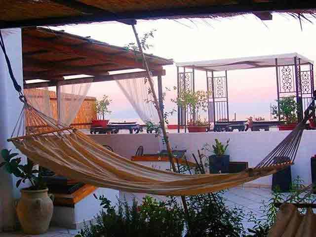 Residence delle vele hotel alberghi bed and breakfast for Arredamento terrazzi milano