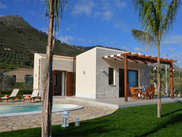 Casa vacanza villa delle stelle sicilia case vacanze for Prospetti ville moderne
